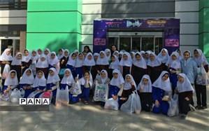 حضور دانش آموزان دبستان سرای دانش نو در مرکز خرید