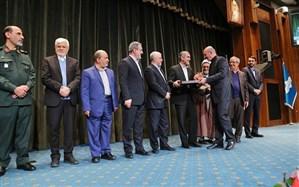 تجلیل از بنیاد برکت در پنجمین همایش مدیریت جهادی