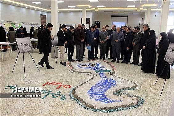 افتتاح نمایشگاه آثار منتخب  دانشآموزان آذربایجانغربی با محوریت احیای دریاچه ارومیه