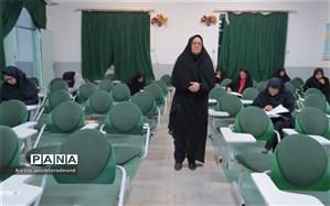 بازدید رئیس اداره استعدادهای درخشان از حوزه امتحانی المپیاد ادبی