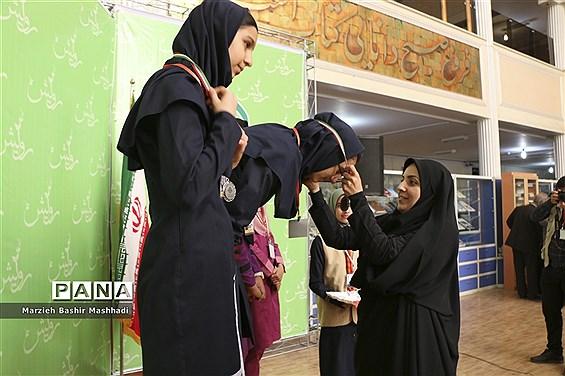 پایان نخستین روز از برگزاری چهارمین دوره المپیاد استانی رویش و تقدیر از برگزیدگان