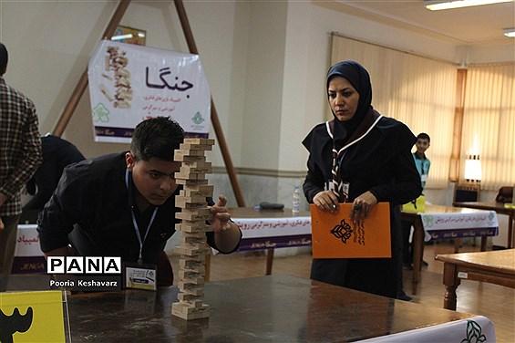 رقابت بیش از ۴۵۰ دانش آموز پسر مقطع متوسطه در شیراز