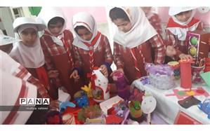 برپایی نمایشگاه کاردستی  بامواد بازیافتی توسط پیشتازان دبستان   دوره اول حضرت زینب (س) آبادان