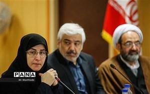 حکیمزاده: جمعیت هدف در کمیسیون آموزش قرآن باید دانشآموزان باشد