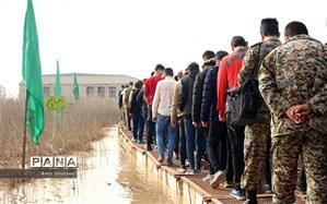 دانشآموزان در اردوی راهیان نور از پالایشگاه نفت آبادان  و موزه دفاع مقدس خرمشهر بازدید کردند