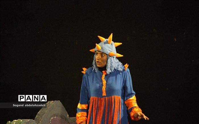 اجرای تئاتر موزیکال «رؤیای باباسفنجی» در ساری