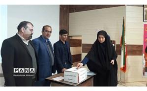 گردهمایی شوراهای دانش آموزی شهرستان ایذه به مناسبت چهلمین سالگرد  پیروزی انقلاب اسلامی
