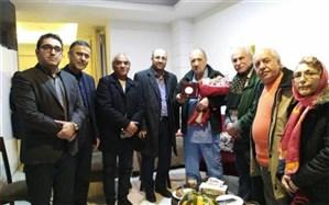عیادت بازیگران ایرانی از ژانکلود کَریِر در بیمارستانی در تهران