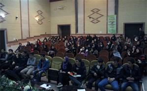 کارگاه آموزش اصول خبرنویسی و عکاسی دانش آموزان ناحیه5 تبریز برگزار شد
