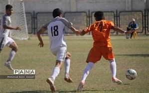 بازی های یک چهارم نهایی فوتبال قهرمانی دانش آموزان مدارس کشور برگزار شد