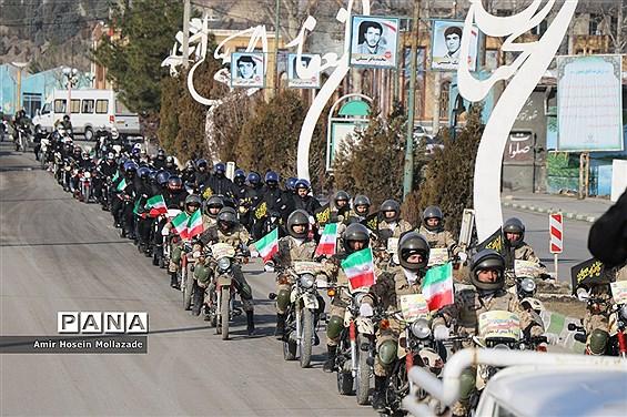 رژه ناوگان موتوری نیروهای مسلح در ارومیه