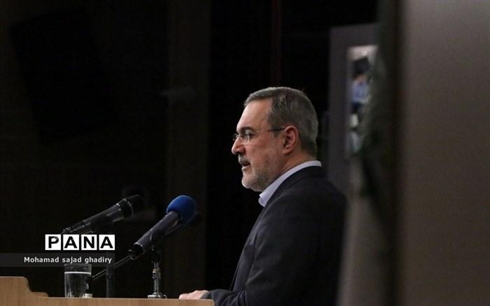 نواختن چهلمین زنگ انقلاب در مدارس شهر تهران با حضور سید محمد بطحایی