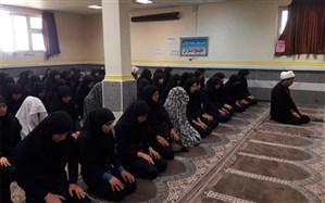 برگزاری با شکوه نماز جماعت و نماز شکر انقلاب در مدرسه نمونه دولتی خلیج فارس گتوند