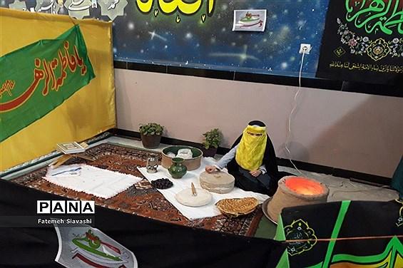 برپایی نمایشگاه از فاطمه(س) تا فجر در آموزشگاه خاص قرآنی مائده