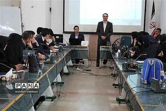 برگزاری جلسه رابطین آموزشی بازیهای فکری، آموزشی و سرگرمی استان یزد