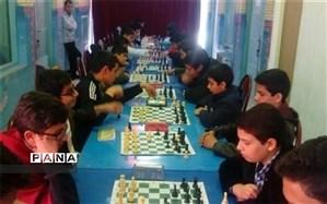 درخشش دبیرستان شهید ذوالفقاری در مسابقات قهرمانی  شطرنج مدارس پسرانه  میبد