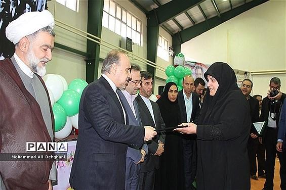 افتتاح دو پروژه ورزشی  دربهارستان با حضور وزیر ورزش و جوانان