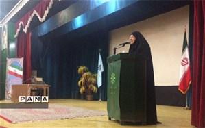 مراسم صبحگاه مشترک دبیرستانهای فرزانگان دوره اول و دوم به مناسبت شهادت حضرت زهرا(س)