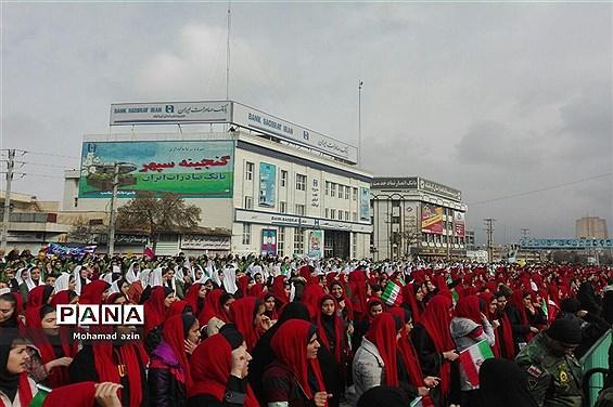 حضور تشکلهای دانشآموزی در راهپیمایی 22 بهمن
