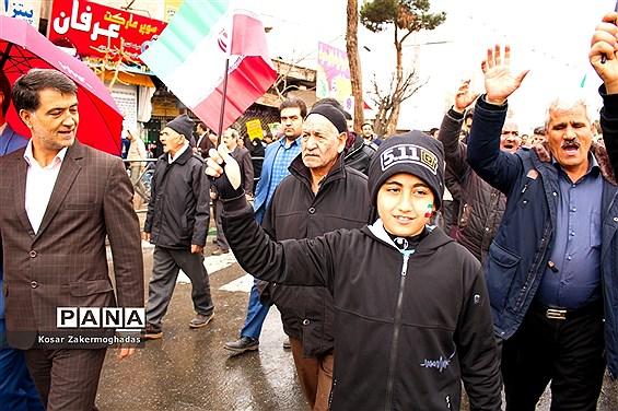 حضور گسترده مردم رباطکریم در راهپیمایی ۲۲بهمن