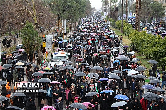 حضور باشکوه مردم شیراز در راهپیمایی ۲۲ بهمن