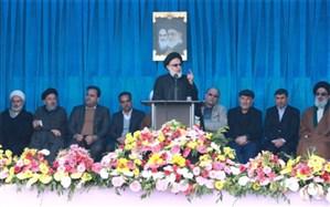 انقلاب اسلامی موازنه قدرت در جهان را بر هم زده است