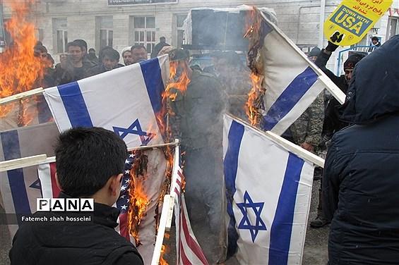 حضور پر شور مردم شهرستان فیروزکوه در راهپیمایی 22 بهمن