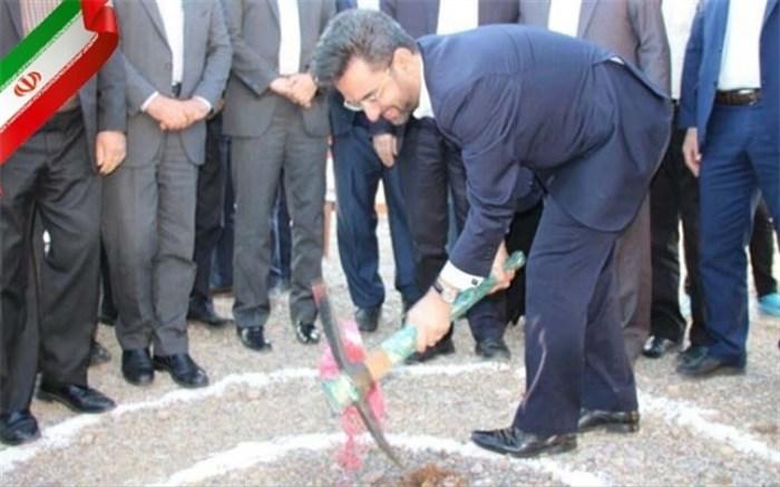 وزیر ارتباطات ساخت یک هنرستان فنیوحرفهای در سمنان را کلنگزنی کرد