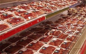 یکصد تن گوشت منجمد در گیلان توزیع می شود