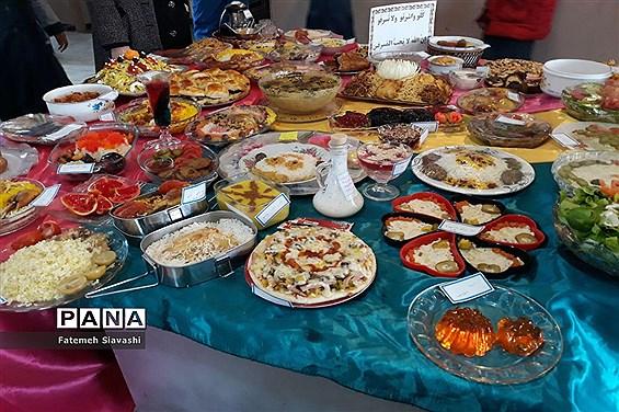 برپایی جشنواره غذای سالم در دبستان قرآنی مائده منطقه خزل