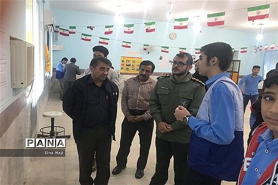 نمایشگاه مدرسه تمدن ساز در دبیرستان نواب صفوی بوشهر