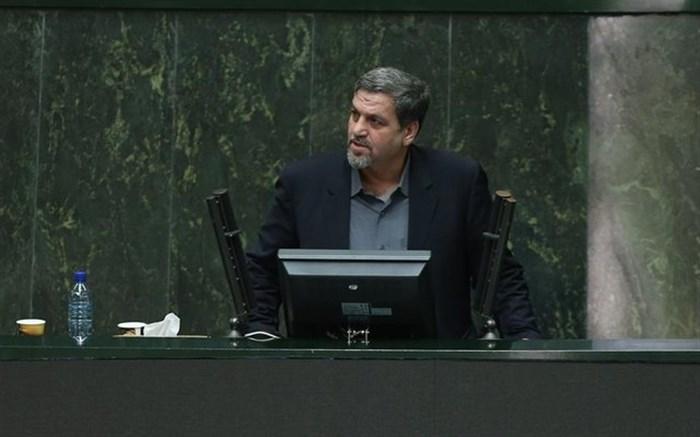 انتقاد کواکبیان به جلوگیری از تشییع پوران شریعت رضوی در حسینیه ارشاد