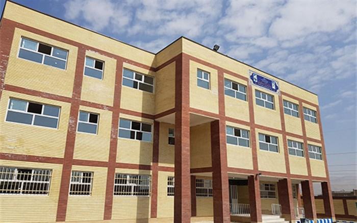 معماری ایرانی- اسلامی در مدرسه سازی به کارگرفته می شود