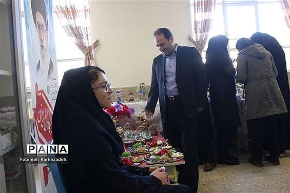 افتتاح نمایشگاه کارآفرینی دانشآموزان با نیازهای  ویژه دبستان و دبیرستان پیوند ناحیه 2 تبریز