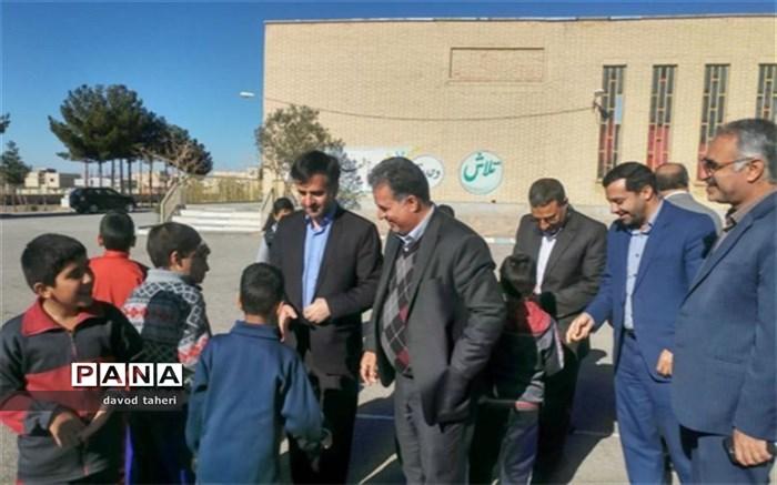 مدیرکل آموزش و پرورش اصفهان:کار و تلاش همکاران در شرایط سخت خود نوعی ایثار است
