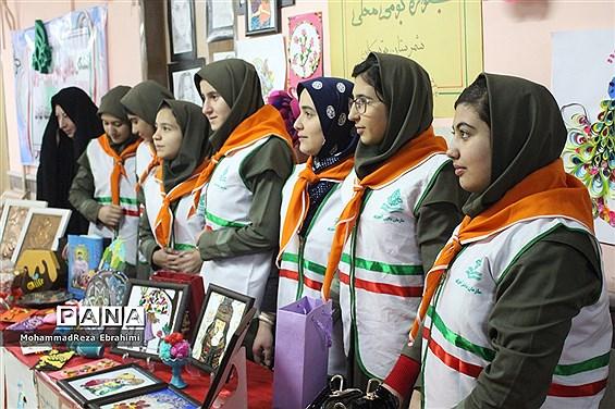 حضور پیشتازان در جشنواره بومی و محلی سازمان دانشآموزی استان همدان