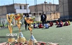 برگزاری اختتامیه مسابقات فوتسال دانش آموزی در لالی