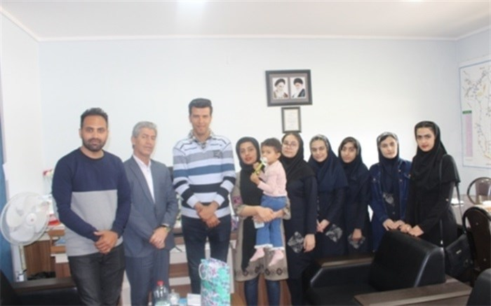 مدیر آموزش و پرورش دشتستان