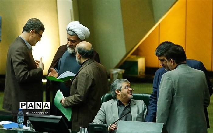 حمله اصولگرایان به یک اصلاحطلب: پایداریها خواستار سلب عضویت رحیمی شدند