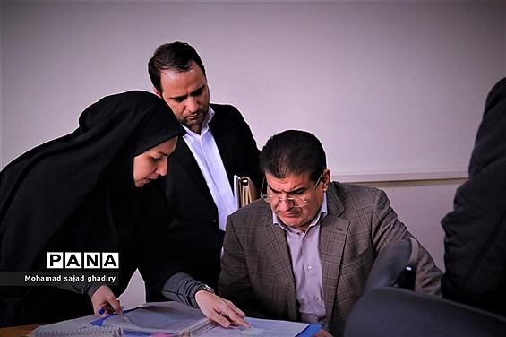 بازدید سرزده مدیرکل آموزش و پرورش شهر تهران از اداره منطقه 18