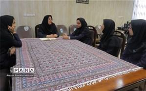 نشست رئیس اداره استعدادهای درخشان با اعضای شورای دانش آموزی دبیرستان فرزانگان شاکر اردکان