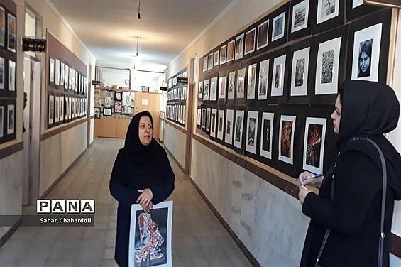 برگزاری نمایشگاه هنرهای تجسمی و گرافیک در هنرستان تهذیب همدان