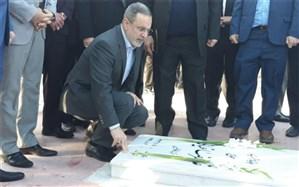 ادای احترام وزیر آموزش و پرورش به مقام شامخ شهدای استان ایلام