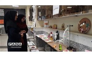 نمایشگاه دست سازه ها در دبیرستان پویندگان مسجدسلیمان