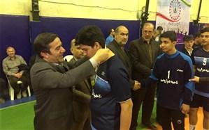 مسابقات والیبال و هندبال دانش آموزان دوره اول متوسطه آذربایجان غربی  برگزار شد