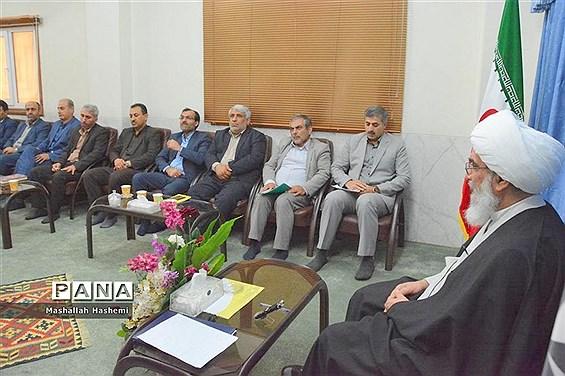 دیدار شورای معاونان آموزش و پرورش استان بوشهر با نماینده ولی فقیه