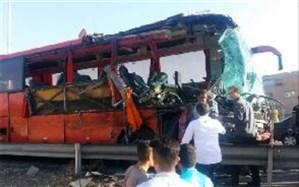 جزئیات برخورد اتوبوس با کامیون در محور قزوین- کرج