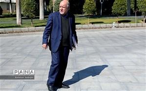 واکنش زنگنه به حاشیه سازی ها: متاسفانه با آقای روحانی هیچ مشکلی در این ۶ سال نداشتم