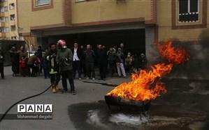 مهار آتش توسط نیروهای آتش نشانی در پردیسان + تصویر