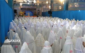 جشن عبادت و بندگی دانش آموزان شهرستان برخوار برگزار شد